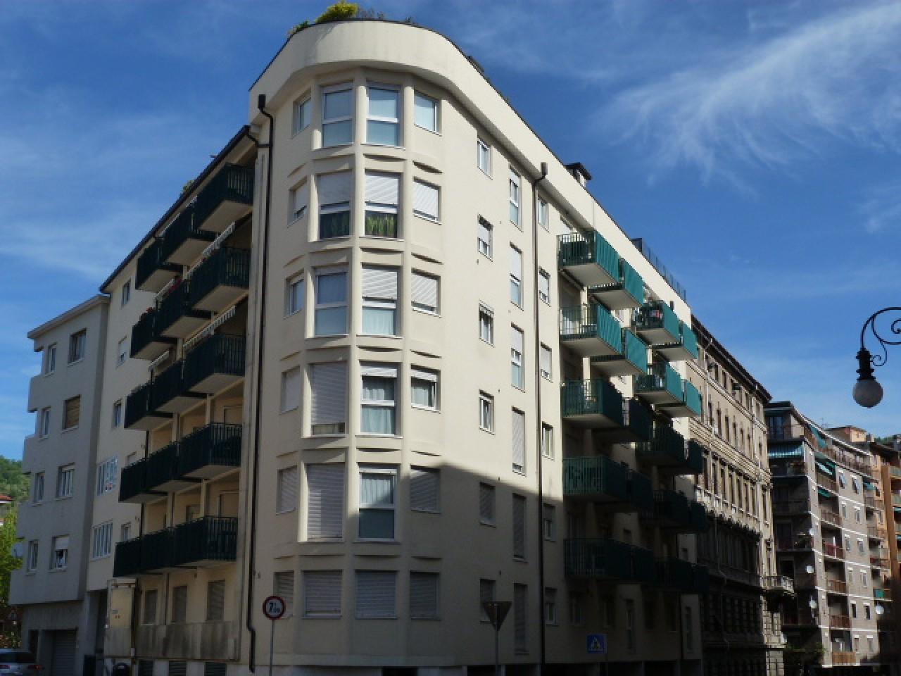 Via udine in stabile del 2000 home roiano for Appartamenti trieste